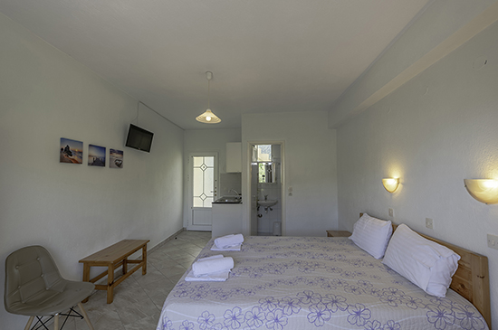 https://www.studiosyanna.gr/images/galleries/accommodations/studios/double/04.jpg